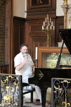 ...accorde le piano d'un concert de Tout en Mesure...