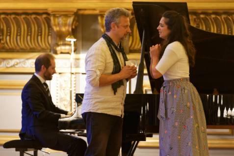 ...accompagnés au piano par Matteo Carminatti