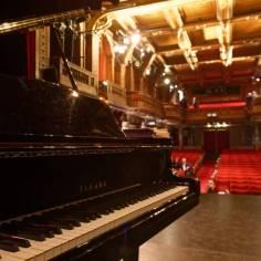 ...et le piano de concert.