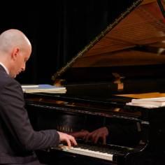 ...puis Sylvain Bottineau repris la parole avec Liszt...