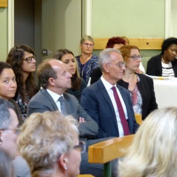 ...en présence notamment de Monsieur le Garde des Sceaux et Monsieur le Président du Tribunal de Grande Instance
